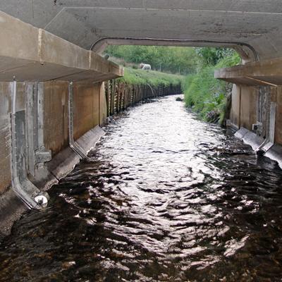 Calidad MejorasEnergeticas Abastecimiento y tratamiento de aguas Caudalímetros Caudalímetros para canales abiertos Caudalímetros para canales abiertos Industria Flujometro ultrasonico fijo Flo Sonic OCFM 4