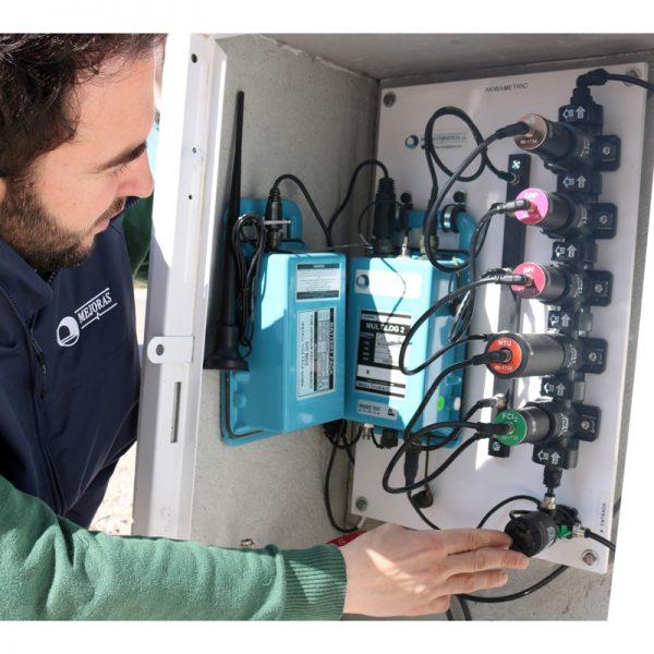 Medidor de cloro y otros parámetros como turbidez, con batería. Calidad del agua. Mejoras Energéticas